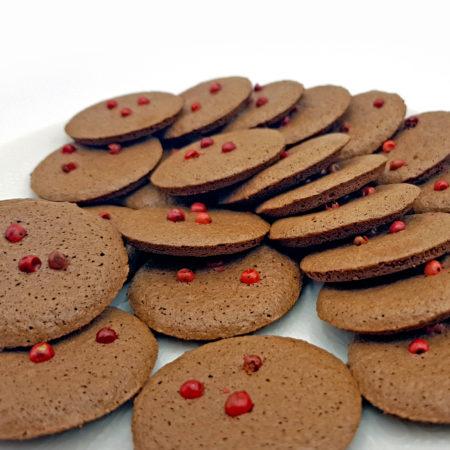 Kakaoplätzchen mit rosa Pfeffer
