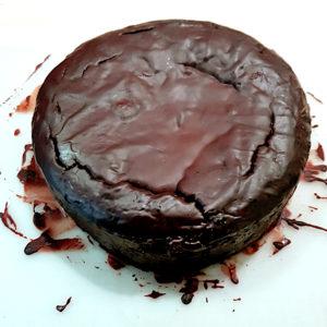 Schokoladenkuchen nach dem Glasieren