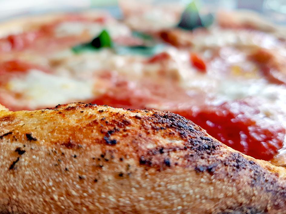 """Restaurant """"Pergola"""" in Kaufbeuren: Der heilige Gral der Vera Pizza Napoletana"""