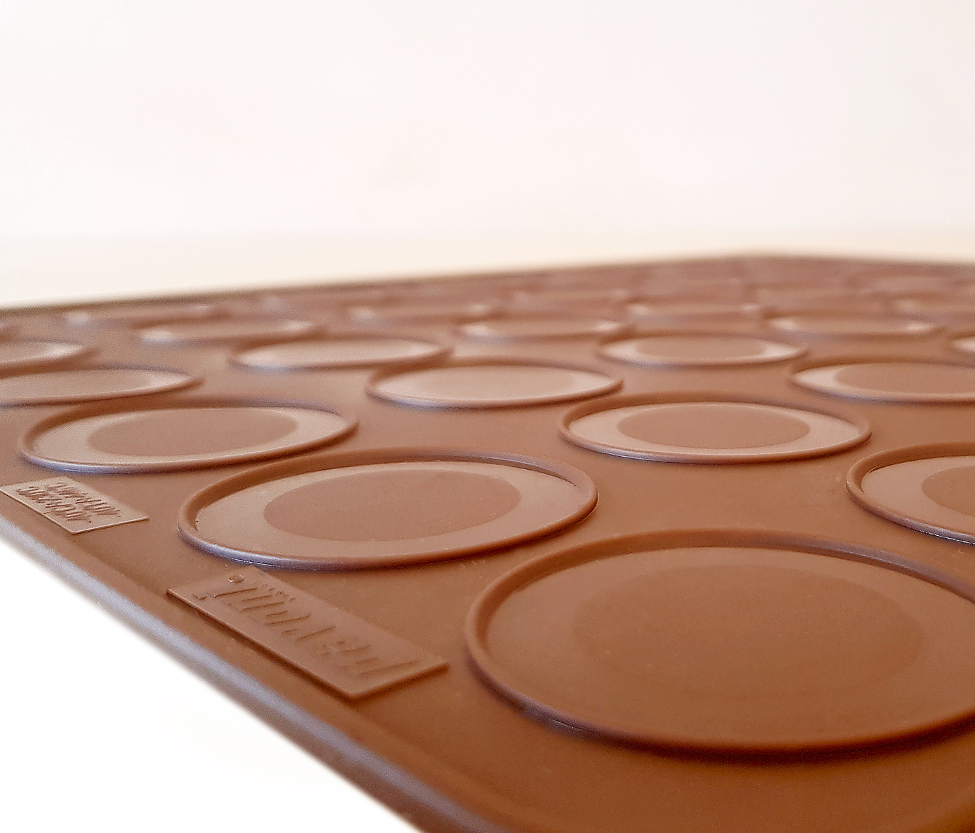Pavoni Silikonmatte für Macarons mit zwei Durchmessern