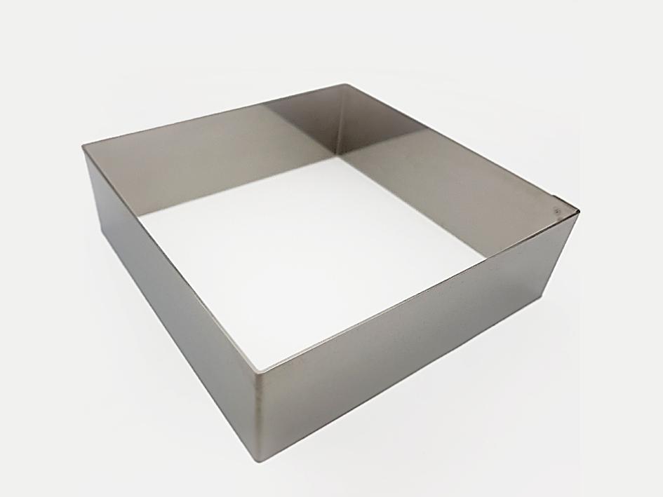 Stabiler gehts nicht: Der 16×16 cm-Backrahmen von ak-colonia