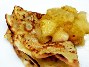 Authentisch Japanisch: Yuzu Ringo – in Yuzu Tea marinierte Äpfel – mit Pfannkuchen
