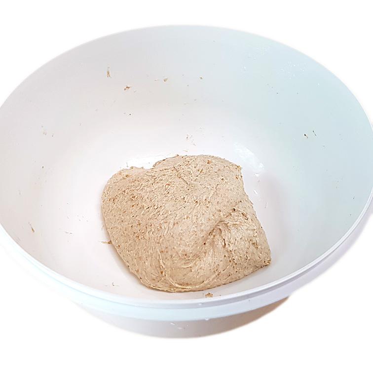 Brot ohne Kneten mit Lievito Madre nach dem stretch & fold