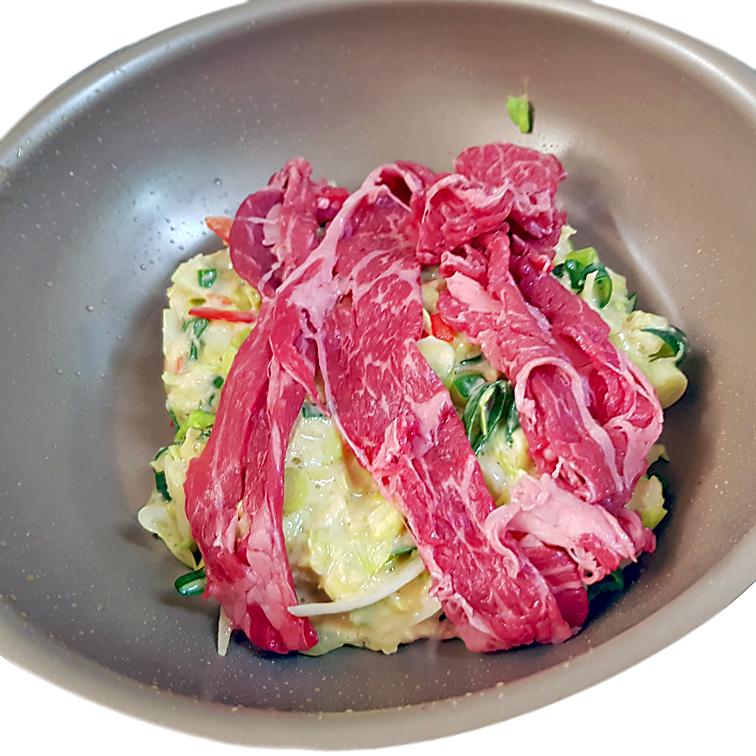Okonomiyaki Osaka-Style - mit Schwein belegt