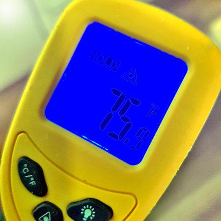 Digitalthermometer mit Temperaturanzeige in Fahrenheit