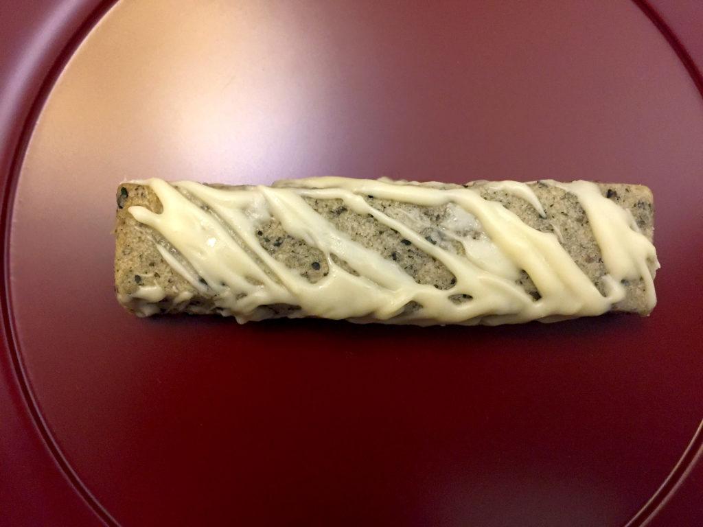 Sesamstange mit weißer Schokolade